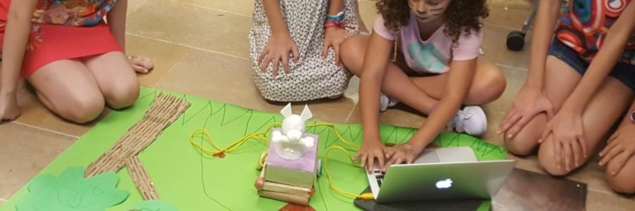 American Space Barcelona: Co-creación de juguetes interactivos