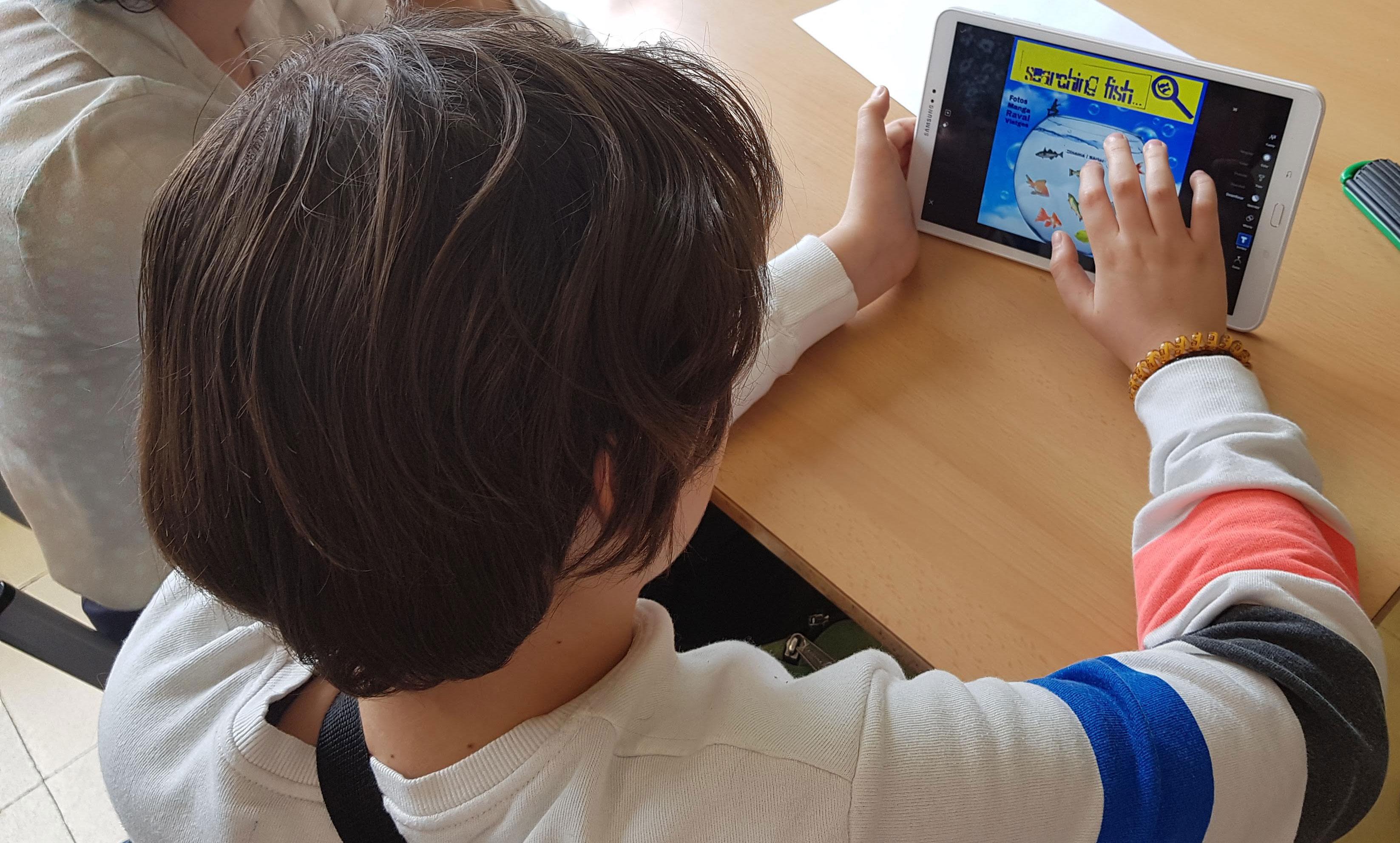 RavalSteam / Inst. Milà I Fontanals: Co-Creación de una revista digital escolar